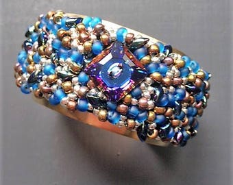 Cuff charms / / Crystal beads and blue and bronze
