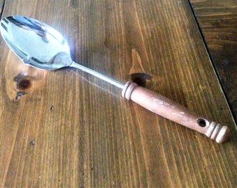 Vintage Ekco Measuring Serving Spoon Kitchen Utensil Metal Wood Handle Primitive Rustic soup ladle cups spoons colonial kitchen gadget prop