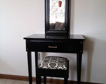 Golden Night Makeup Vanity Table