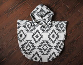 Harfang Poncho - Black and White Kids Poncho - Navajo Poncho - Wool Poncho - Baby Poncho - Wool Cape - Fall poncho - Fall jacket