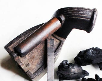 Traditional Vintage Charcoal Iron With A Chimney & Wooden Handle Hand casted From Pure Iron, L 23 cm x W 12 cm x H 21 cm, Indian Coal Iron