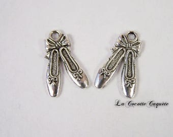 Set of charms / charms slippers dance ballerina in antique silver x 2