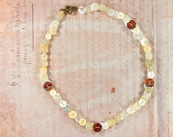 Necklace of buttons