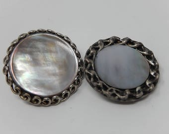 Two old mother-of-pearl buttons, silver plated, diameter: 2.4 cm and 2.6 cm, free shipping!