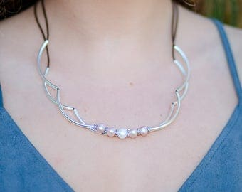 freshwater leather pearl necklace, pearl statement necklace women, leather multi strand pearl choker necklace,  pearl necklace leather wrap