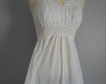 womans vintage seamprufe white nightgown 1950 nylon