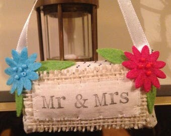 Tiny Hanging Decorative Pillow 'Mr & Mrs'