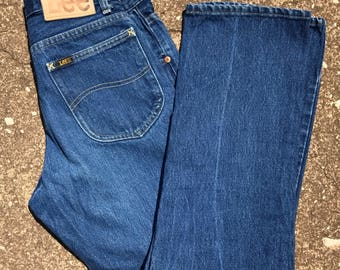Vintage Lee jeans, size 28 waist, mom jeans, 80s Lee high waisted jeans, Lee riders, boyfriend jeans, high waist jeans