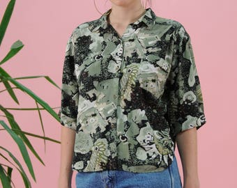Vintage abstract print blouse, 80s blouse, 90s blouse, Green blouse, Black blouse, Groovy shirt, Festival clothing, Vacation clothing