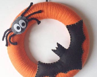 Halloween garland with spider covered in wool and customizable in colors