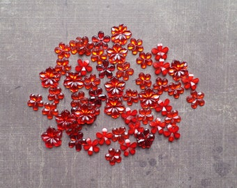 Lot 100 rhinestones form flower 9mm to 1.2 cm shade Red