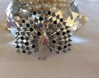 Stunning peacock bird brooch silver metal rhinestones