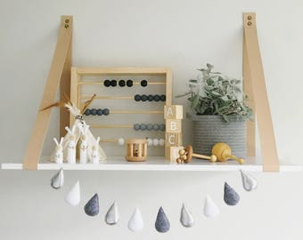 Raindrop Garland / Silver, grey and White