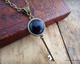 Necklace / key bronze and Amethyst necklace