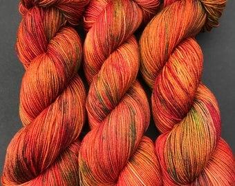 "sock yarn, Hand dyed yarn, ""Robell"", sock weight, Superwash Merino, 463 yards, speckled yarn"