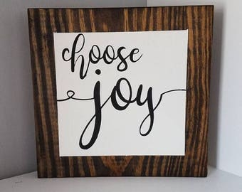 Choose Joy Farmhouse Wooden Sign