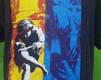 Sale 10% Vintage 1992 GUNS N ROSES use your illusion tshirt