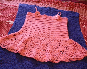 Pink dress low-cut with small flowers and designs on the straps 4/5 years crochet handmade