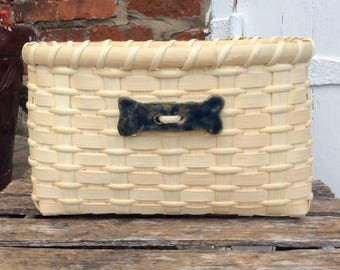 Dog bone basket