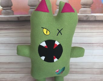 Zombie Cat - Zombie Kitty - Monster - Stuffed Animal - Brains - Heart - Embroidered - Scary