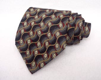 Claiborne Handmade Designer Tie 100% Silk Made in USA Vintage Necktie Black Grey Red Beige Wavy Geometric Pattern