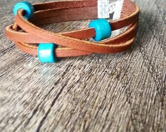 Leather and turquoise bracelet, Wood bead bracelet, Girl's leather bracelet, Casual bracelet, Casual jewelry, Boho bracelet, Boho jewelry