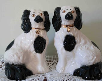 Handsome Pair of small Beswick Mantel 'Wally' Spaniel Staffordshire Dogs  1378  In excellent condition