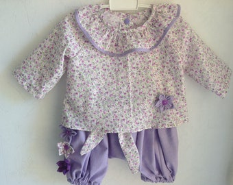 Lilac sarouel and bloomed blouse
