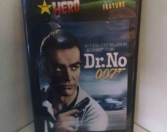 Dr. No  (DVD 1962) 1ST James Bond 007 Sean Connery and  Ursula Andress