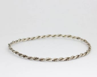 Vintage silver twisted wire bracelet, silver stacking bracelet, delicate bracelet, bangle bracelet, twisted,  vintage jewelry, free shipping