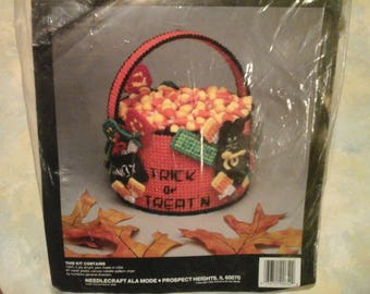 vintage needlecraft ala mode plastic canvas kit for all seasons halloween dimensional basket trick or treat centerpiece 6in D X 5in H
