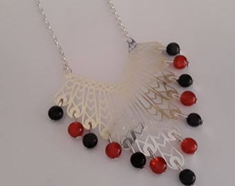 Filigree red and Black Glass Bead Necklace