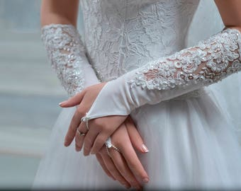 Handmade Wedding Gloves from NYC Bride , made in Europe
