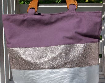 Large tote, beach or city