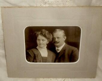 Victorian German Antique Cabinet Card Photo~Fashionable Victorian  Couple Portrait~Wedding Gift~Nostalgic Deco~