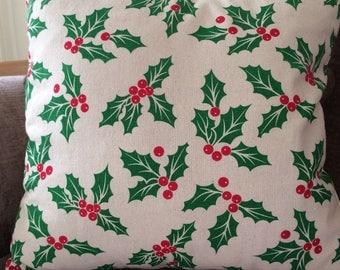 "18"" Christmas Holly & Berries Cushion"