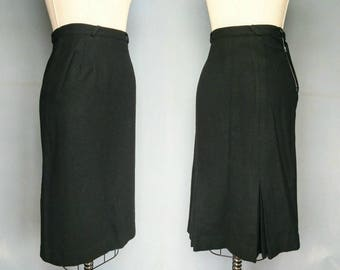 imperial / 1940s black wool skirt with kickpleats / 2 4 xs