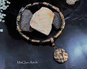 Round neck chain broken gold vintage look