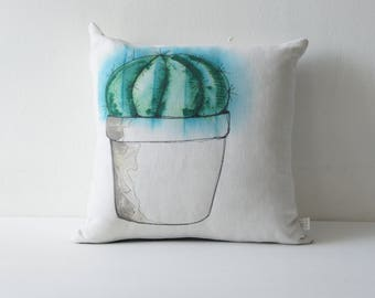 Removable cushion in vintage fabric issued from recycled, hand painted cactus old linens
