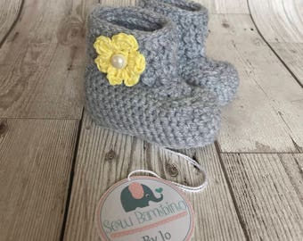 Handmade crochet baby booties with flower - made to order