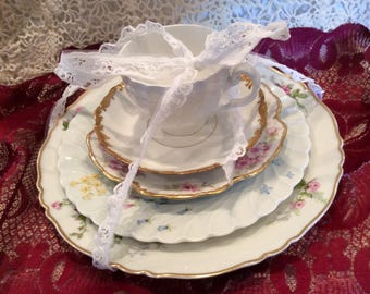 Mixed place setting of vintage china