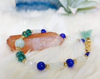 Jade and Blue Glass Beaded Bracelet