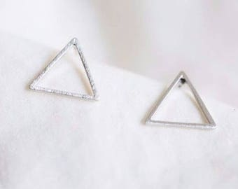 Small earring triangle size = 1 cm * 1 cm * 1 cm - plated Silver-earrings, Chic, S079-40% off