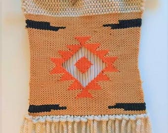 Weaving wall Aztec
