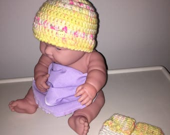 Crochet Baby Hat and Mittens