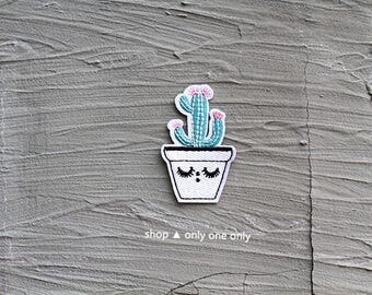 CACTUS GIRL -- Handmade Embroidered Patch Brooches Pins/Fabric Badge/Iron-On Patches/Cutie/Plant/Decor/Art/Green