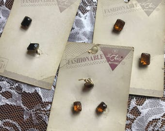 "1950s Le Chic ""gemstone"" buttons on cards"