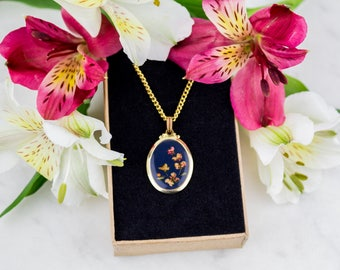 Vintage Antique Pressed Dried Flower Pendant and Gold Chain Necklace
