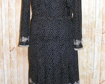 Size 14 vintage 60s long sleeve pleated midi dress polkadot/floral print (HK01)