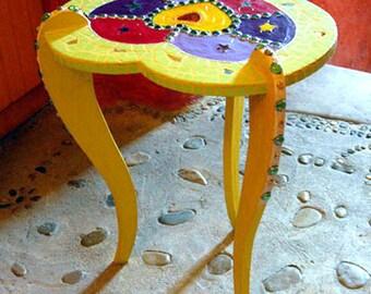 "pedestal ""heart lime"" tile, wood and paint joyful"